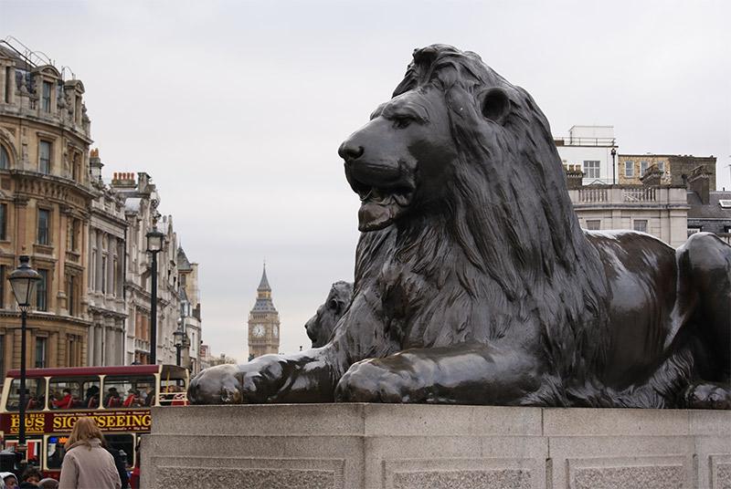 trafalgar-lion
