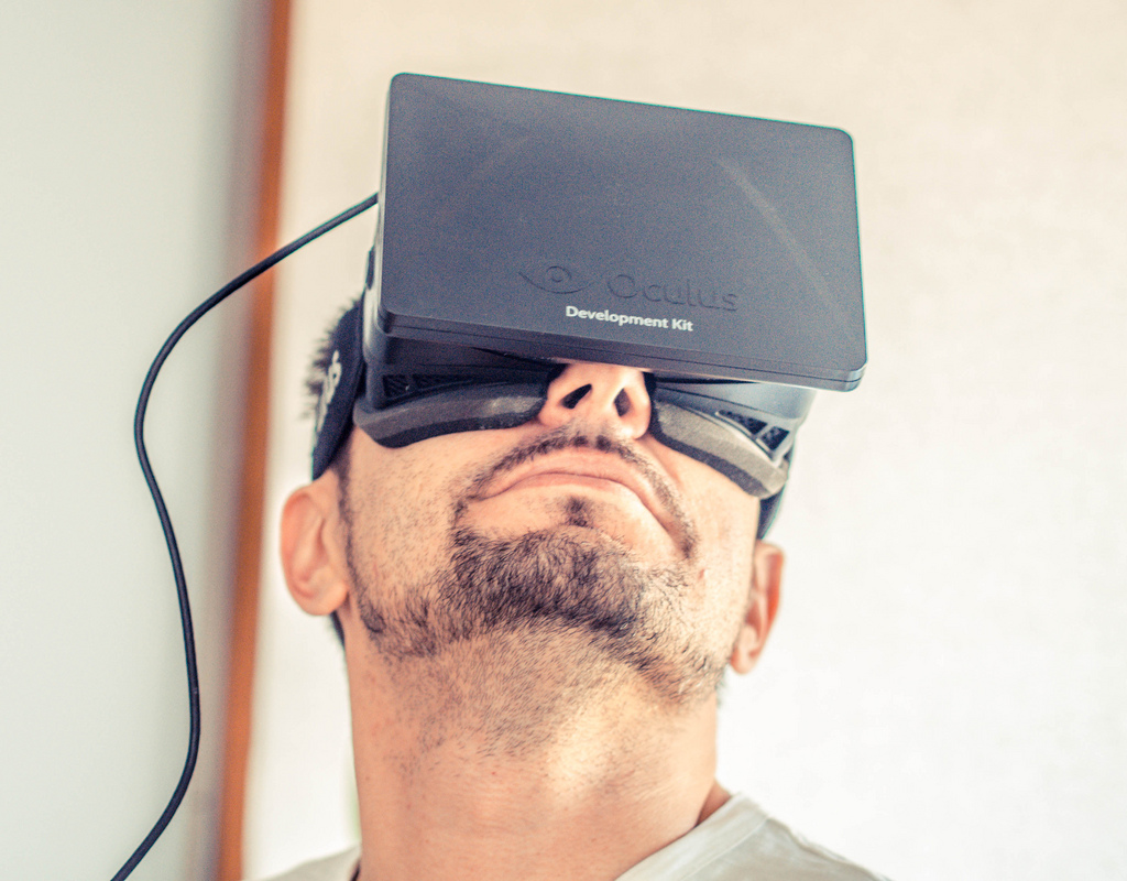 oculus-rift-vr-headset-building-visualisation